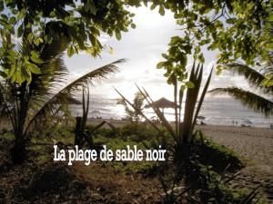 Etang Salé, la plage à 4 km